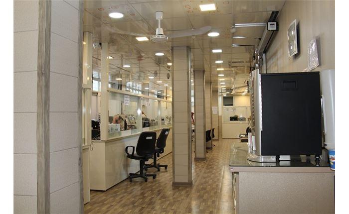 سالن انتظار آزمایشگاه دکتر نجفیان