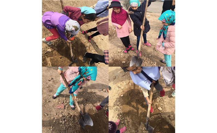 دخترانه رافعه روز درختکاری- اصل کارگروهی و نشاط