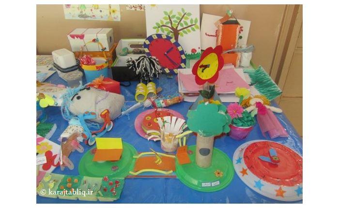 نمایشگاه دست سازه های دانش آموزان کلاس دوم