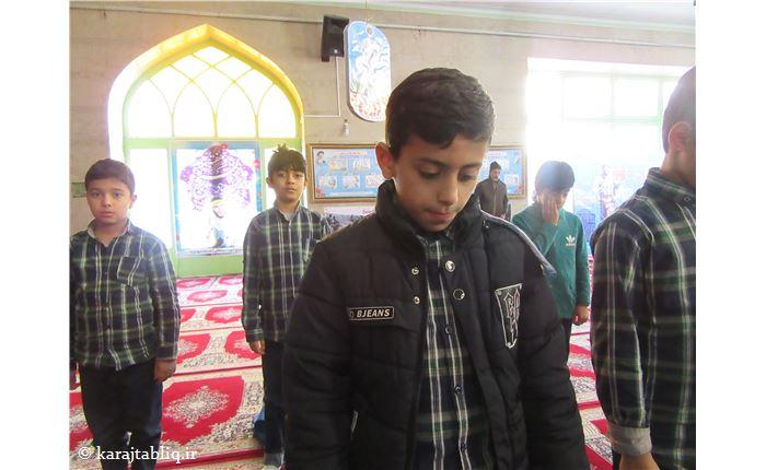 حضور دانش آموزان در مسجد